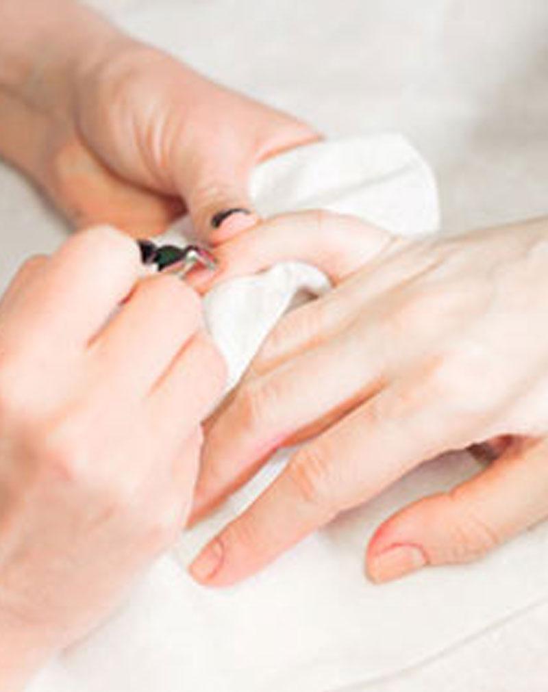 L Spa Manicure